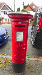 Edward VII cypher B type post pillar box Penn Hill Avenue Poole 07.09.2017 (The Cwmbran Creature.) Tags: g p o gpo general post office street furniture red heritage letter great britain gb