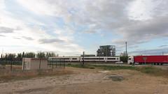 448 DE DOS COCHES EN EL ESPARTAL (FerrocarrildelBergantes) Tags: renfe zaragoza móra 448 espartal aragón fuentes adif comsa saica
