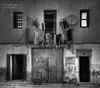 (312/18) El triciclo (Pablo Arias) Tags: pabloarias photoshop photomatix capturenxd españa arquitectura edificio casa bn blancoynegro monocromático triciclo ropavillajoyosa alicante