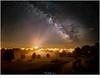 Melkweg boven La Chaise Dieu (nandOOnline) Tags: frankrijk auvergne folgoux fotografie lafougeraie landschapsfotografie masterclass workshop melkweg lachaisedieu stad mist sterren saturnus planeet sterrenhemel