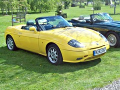 617 Fiat Barchetta (1997) (robertknight16) Tags: fiat italy italian 1990s sportscar barchetta alrewas r242ogf
