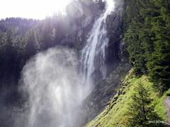 Stürmischer Frühling (HITSCHKO) Tags: iffigen lenk berneroberland bern bach fluss wasserfall schweiz suisse svizzera svizra switzerland