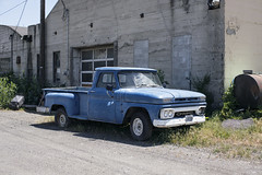 1965 GMC (Curtis Gregory Perry) Tags: vale oregon gmc truck pickup 1963 1964 1965 1966 blue step side stepside old car vehicle nikon d810 garage decrepit rust rusty vintage idaho license plate white painted bumper grille headlights