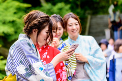 Beautiful Kimono Girls in Hase-dera Temple, Kamakura : 鎌倉・長谷寺にて着物美人 (Dakiny) Tags: 2018 spring earlysummer freshgreen may japan kanagawa kamakura hase hasedera temple outdoor people woman girl kimono portrait bokeh nikon d750 sigma apo 70200mm f28 apo70200mmf28exdgoshsm sigmaapo70200mmf28exdgoshsm nikonclubit