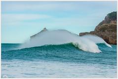 """Escondida"" (Gerkraus) Tags: olas surf canon bizkaia gaztelugatxe paisvasco cantabrico"
