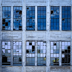 pane is fleeting (jtr27) Tags: dscf8670l2 jtr27 fuji fujifilm xtrans xe2s xe2 xc 50230mm f4567 ois oisii kezarfalls textile mill pane pain fleeting maine newengland broken glass square building