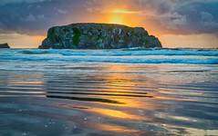 Table Rock Sunset (Manuela Durson) Tags: tablerock sunset oregon oregoncoast shore reflections sun beach ocean nature clouds
