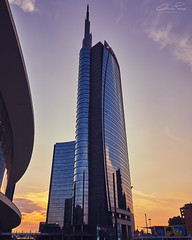 Piazza Gae Aulenti (Christian Papagni | Photography) Tags: piazza gae aulenti sunset tramonto canon eos 5d mark iv ef 24105mm f4l is ii usm