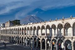 Poderoso Misti. Arequipa, Peru. (Inti Runa) Tags: canoneosm5 canonefm18150mm volcano volcan arequipa peru architecture plazadearmas