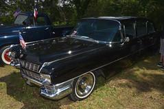 Cadillac Fleetwood Series 75 (jfhweb) Tags: jeffweb voitureamericaine voitureus americancar sportcar voituredesport voituredecollection musclecar oldschoolday oldschoolday9 chateauneuflerouge cadillac fleetwood
