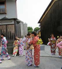 Kyoto126 (annesstuff) Tags: annesstuff japan kyoto travel tourist vacation sightseeing gion shrine temple kimono