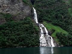 Noruega (JCMCalle) Tags: noruega fiiordos water rock waterfall natural landscape fall cascade cascada agua roca paisaje
