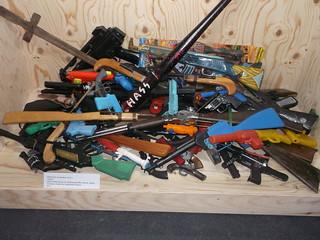 Toy Guns (1)