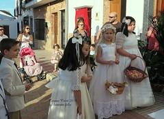 Corpus Cristi-Niños de Comunión-Alameda (Málaga) (lameato feliz) Tags: alameda fiesta corpuscristi gente niños