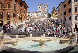 Popular meeting point at the Iconic Spanish Steps