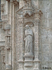Immobile (Jean S..) Tags: statue church religion stone ancient old saint