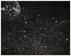 SENOGRAFIA DIA 2 00000004 (Arthur Pontes) Tags: lâmpada luz darkroom experimental fotografiaexperimental estrelas stars sky céu ampliador galáxias névoa mascara cameraless planetas