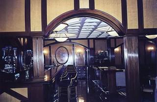 Beverley Wilshire Four Season Hotel   - Beverley Hills - Rodeo Drive -  Stunning Bar Room