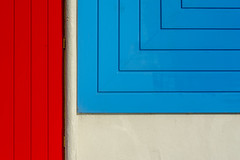 Red door and blue wall (Jan van der Wolf) Tags: map185235v keet architecture architectuur oud lines lijnen door deur red rood blue blauw gevel gebouw facade rotterdam colours abstract