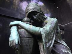 Trauer (Renate S.) Tags: berlinschöneberg graveyard trauer grieve mourning deuil grief chagrin