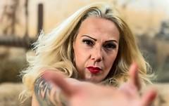 b28a6151-db9a-40bd-9e5a-fd39f6508b13 (Adriana.Britto) Tags: ensaio retrato portrait photo fotografia photografia photography loira blond mature iperó sorocaba fazenda sp woman mulher tatuagem tattoo tattoos
