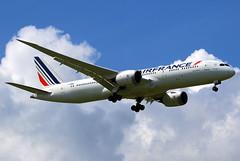 Air France Boeing 787-9 F-HRBC (Manuel Negrerie) Tags: fhrbc 787 boeing af dreamliner airfrance jetliner airliner cdg france technoligy spotting flying design composite clouds travel transport plane