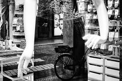 2018 (Luca * Rossi) Tags: lucaxrossi padova blackandwhite streetphotoblackandwhite street streetphotography streetphoto streetphotographers streetbw