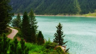 Neves-Stausee/Lago di Neves