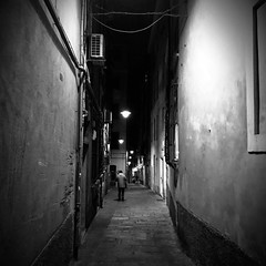 """Good Night"" (giannipaoloziliani) Tags: raw buio scuro obscurity obscure dark darkness black nero noir flickr vicolidigenova vicoli caruggi alleys alleysofgenoa notte shapes shadows italy capturestreets capture streetphotography genova genoa liguria lightandshadow monocromatico monochrome biancoenero nightlife night blackandwhite nikoncamera nikon nikonphotography"