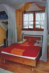 "Bett in Erle • <a style=""font-size:0.8em;"" href=""http://www.flickr.com/photos/162456734@N05/42734597651/"" target=""_blank"">View on Flickr</a>"