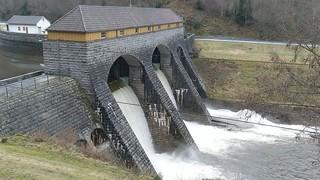 Das kleine Wasserkraftwerk in der Murg bei Kirschbaumwasen.