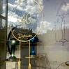 140 ANS DE DAUM , magasin de vente place Stanislas à Nancy (dominique jacquier) Tags: boutique daum anniversaire vitrine magasin lampe artnouveau nancy verre cristal ciel reflets dessin