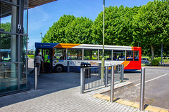 An elderly dart with an elderly passenger (mangopearuk) Tags: uk unitedkingdom england hampshire bus buses publictransport transit stagecoach stagecoachsouth stagecoachinthesouthdowns stagecoachhampshire portsmouth southsea havant adl alexanderdennis