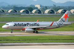 IMG_2995 VN-A565 Jetstar Pacific Airways Airbus A320-232(WL) at Hanoi Noi Bai International Airport on 17 May 20188 (Zone 49 Photography) Tags: aircraft airliner airplane aeroplane may 2018 vvnb han hanoi noi bai noibai international airport bl pic jetstar pacific airlines jetstarpacific airbus a320 airbusa320 200 232 wl vna565
