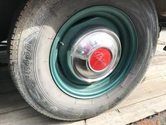 1950's Pontiac hub cap logo (quinet) Tags: 1950s 2018 canada mapleridge pontiac classic oldtimer vintage whistler britishcolumbia 124