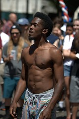 Gymnastic Street Performer (Scott 97006) Tags: pan performer streetact entertainer physic muscles crowd