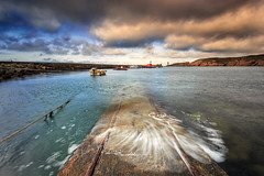 Morning at the harbour of Le Conquet (Ludovic Lagadec) Tags: finistere leconquet bretagne breizh brittany beach harbour longexposure ludoviclagadec landscape longueexposition lighthouse haida gnd16 clouds cliffs boat pier seascape sea sky marin marée mer matin morning