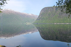 Mirror mirror... (Aniemar) Tags: reflection spiegelung natur nature norge norway norwegen canon schnee snow travelling reisen canoneos1100d ƒ35 200mm 12500 iso250