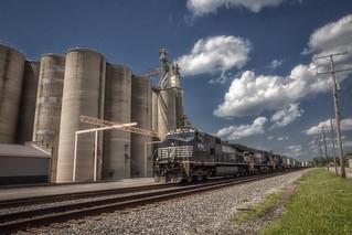 Merchandis train 288 - Circleville, OH