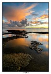Vraiment un très beau ciel ce matin! (Laurent Asselin) Tags: ciel nuages lumière couleurs sunrise leverdesoleil aube roches eau reflets mer océan paysage landscape guyane kourou