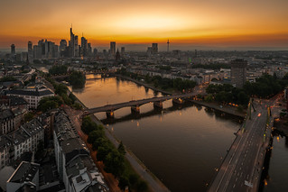 lights on in Frankfurt - Licht an in Frankfurt