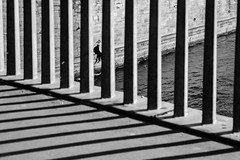 [ Le spleen de Paris - Le spleen de Paris ] DSC_0476.R3.jinkoll (jinkoll) Tags: bnw blackandwhite street geometry spleen buchineri people guy paris bridge seine river water waves silhouette triangle balustrade dock shore