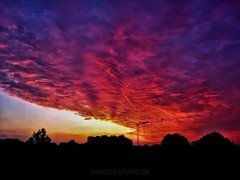 Wonderful Morning (Maxum1201) Tags: sky wolke sonnenaufgang rot feuer burning shadow