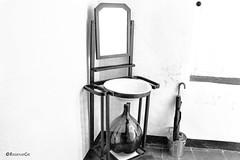 Lavabo (rossendgricasas) Tags: bn monochrome noperson bw ancient antique photography photo photoshop photographer lightroom mac nikon light mirror