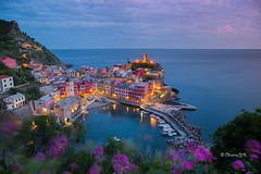Vernazza (cristgal56) Tags: cinqueterre italie vernazza coucherdesoleil mer