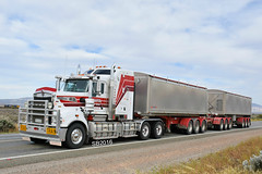Bowley Kenworth T909 Road Train (Bourney123) Tags: kenworth truck trucks trucking highway haulage diesel interstate roadtrain loaded portaugusta