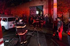 Fogo Mooca 25mai2018-111 (plopesfoto) Tags: barraco bombeiros criança fogo galpão incêndio invasão mooca moradia morte ocupação saopaulo brasil