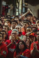 _MG_0570 (sergiopenalvagonzalez) Tags: rcdmallorca futbol football ball people ambiente palma palmademallorca aficion pasion rojo negro ib3 diariodemallorca sergiopenalvagonzalez sergiopenalvag gente emocion nervios ascenso alegria