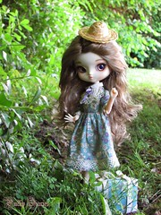 The Young Lady (Little Queen Gaou) Tags: pullip doll groove yeolume taeyang garden jardin photographie photography spring printemps inspiration victorian lady fille victorienne