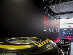 2018 Barcelona F1 test: Red Bull & Pirelli (8w6thgear) Tags: 2018 formula1 f1 barcelona test redbullracing astonmartin pirelli tyres
